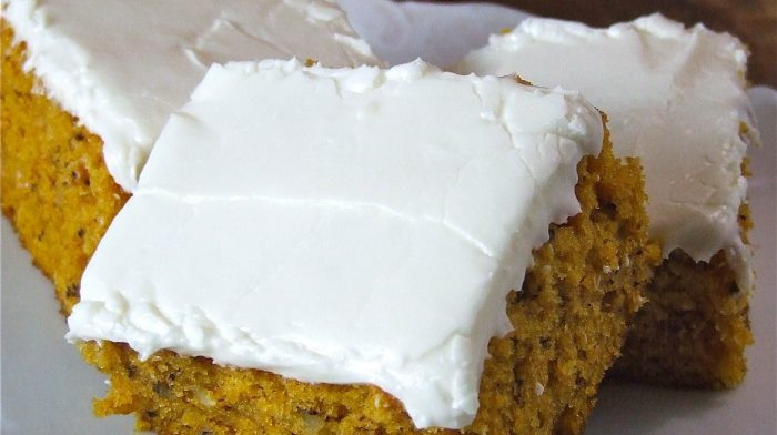 Skinny Pumpkin Cake with Cream Cheese Frosting  @ Skinny Recipes