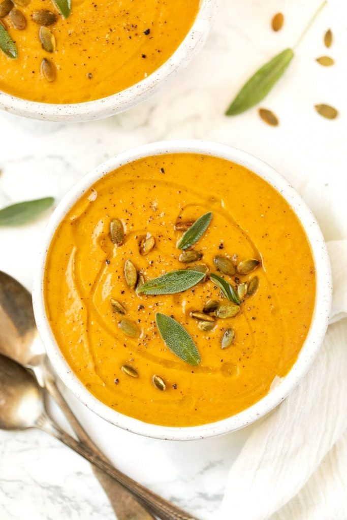 Creamy Chili Roasted Pumpkin Soup @ Simply Quinoa