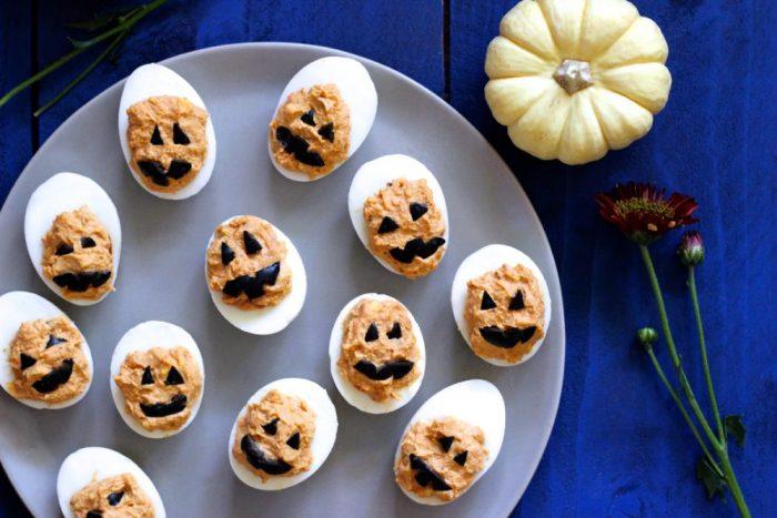 Jack O'Lantern Halloween Deviled Eggs @ What Great Grandma Ate