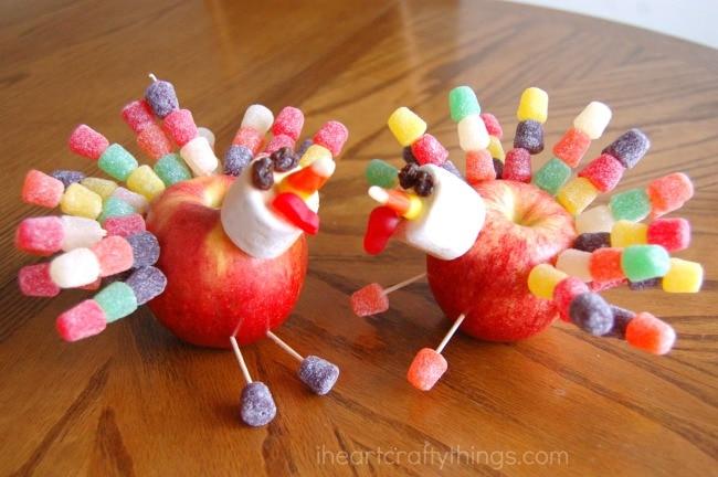 Thanksgiving Apple Turkey Craft @ I Heart Crafty Things