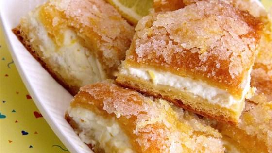 Lemon Cream Cheese Bars - 3 WW Points @ Only Slim Recipes