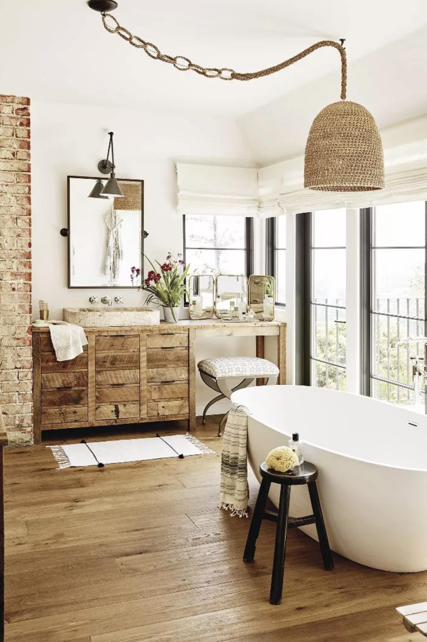 Modern farmhouse bathroom ideas.