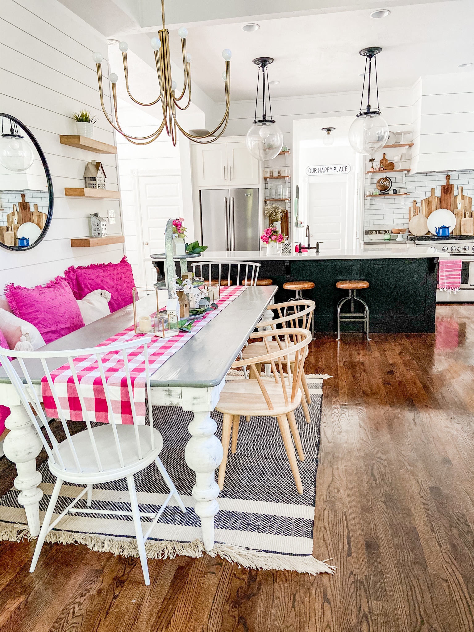 Bright summer modern farmhouse eating nook