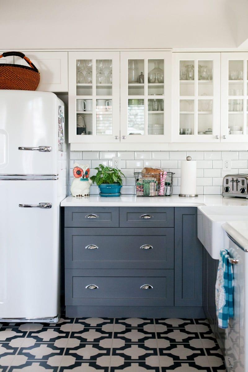 Navy and white tile kitchen at Design Sponge.