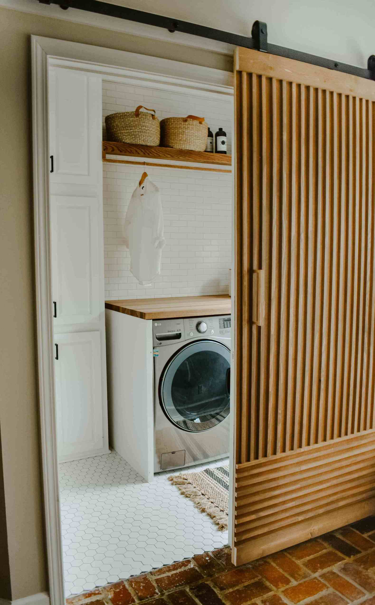 House on Longwood Lane laundry room redo.