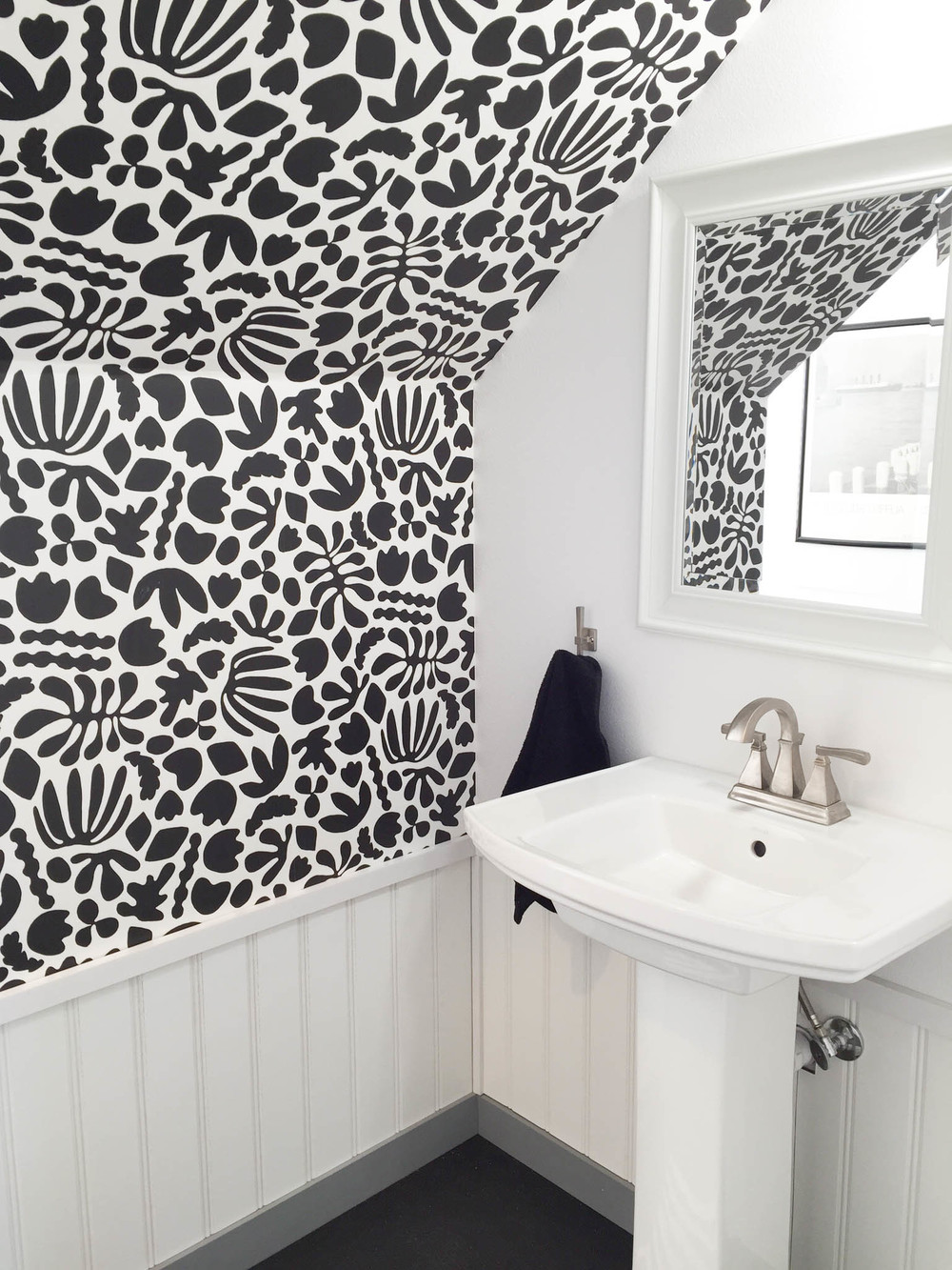 Kate Zaremba Black and White Wallpaper
