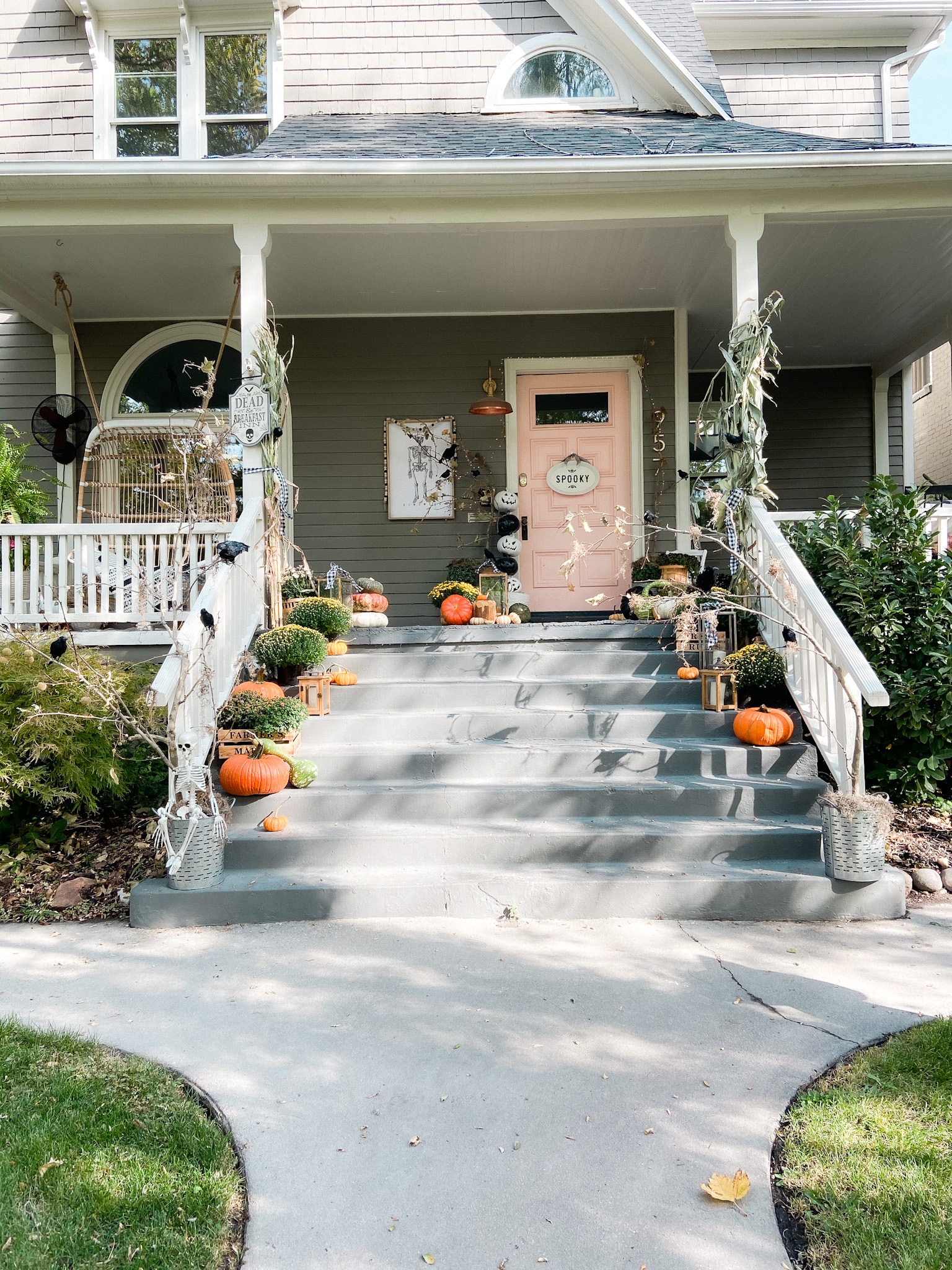 Spooky Forest Halloween Porch Ideas