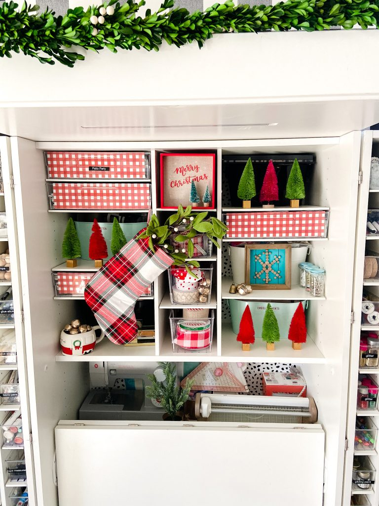 dream box holiday decorating