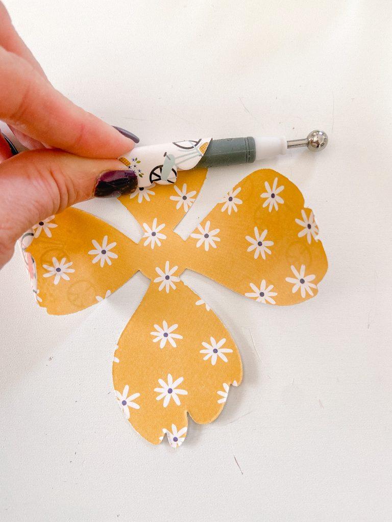 How to make paper petals