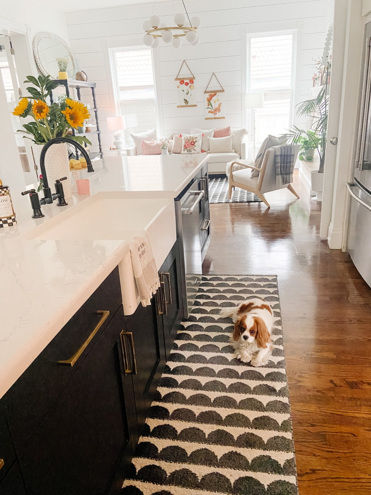 Black and white kitchen with Peerless kitchen faucet.