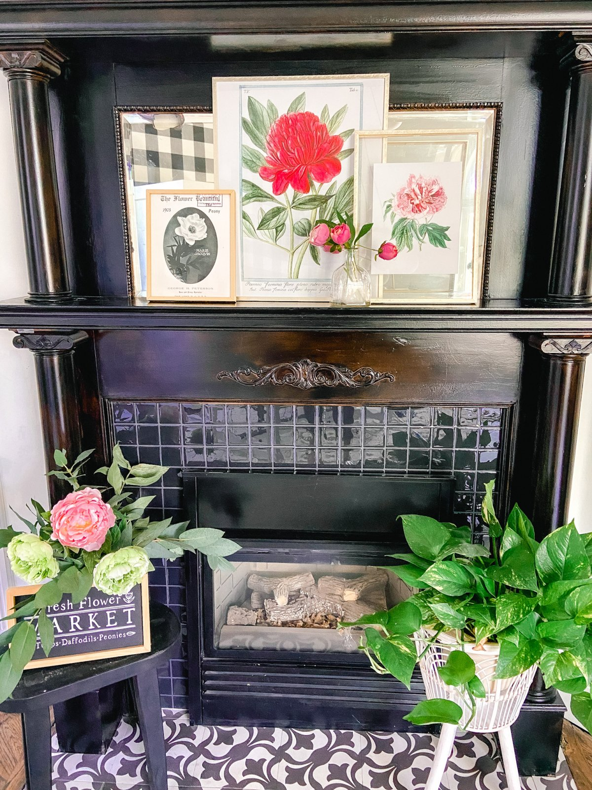 Three Free Vintage Peony Prints. Celebrate warm weather and peonies by printing off these prints and displaying them for instant summer decor.