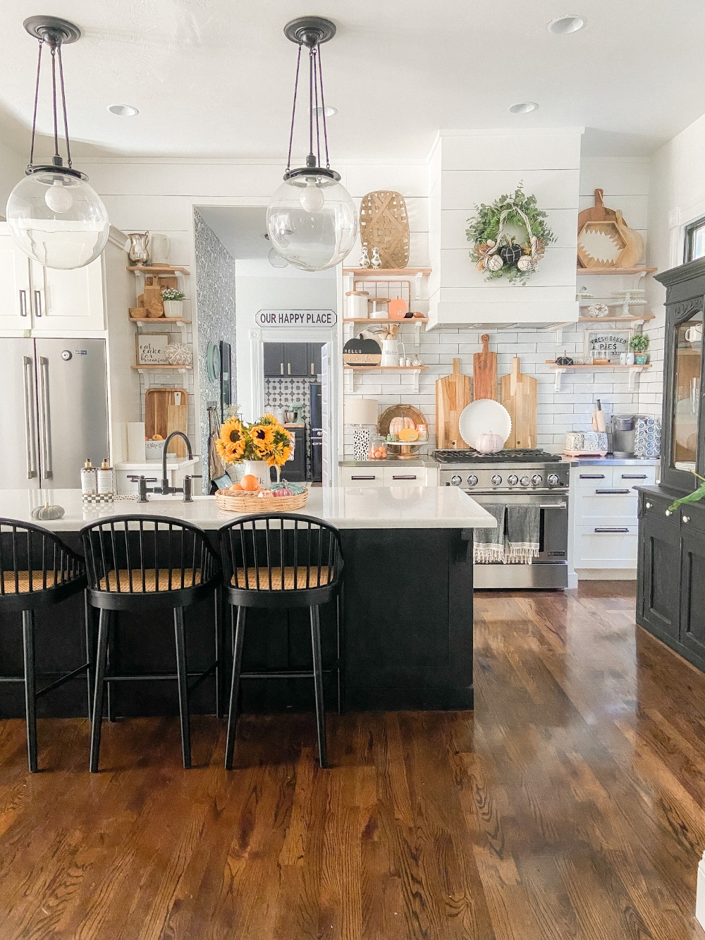 Boho Cottage Fall Decorating Ideas. How to add warm and relaxing fall touches to your home with a few DIY projects and decorating ideas!