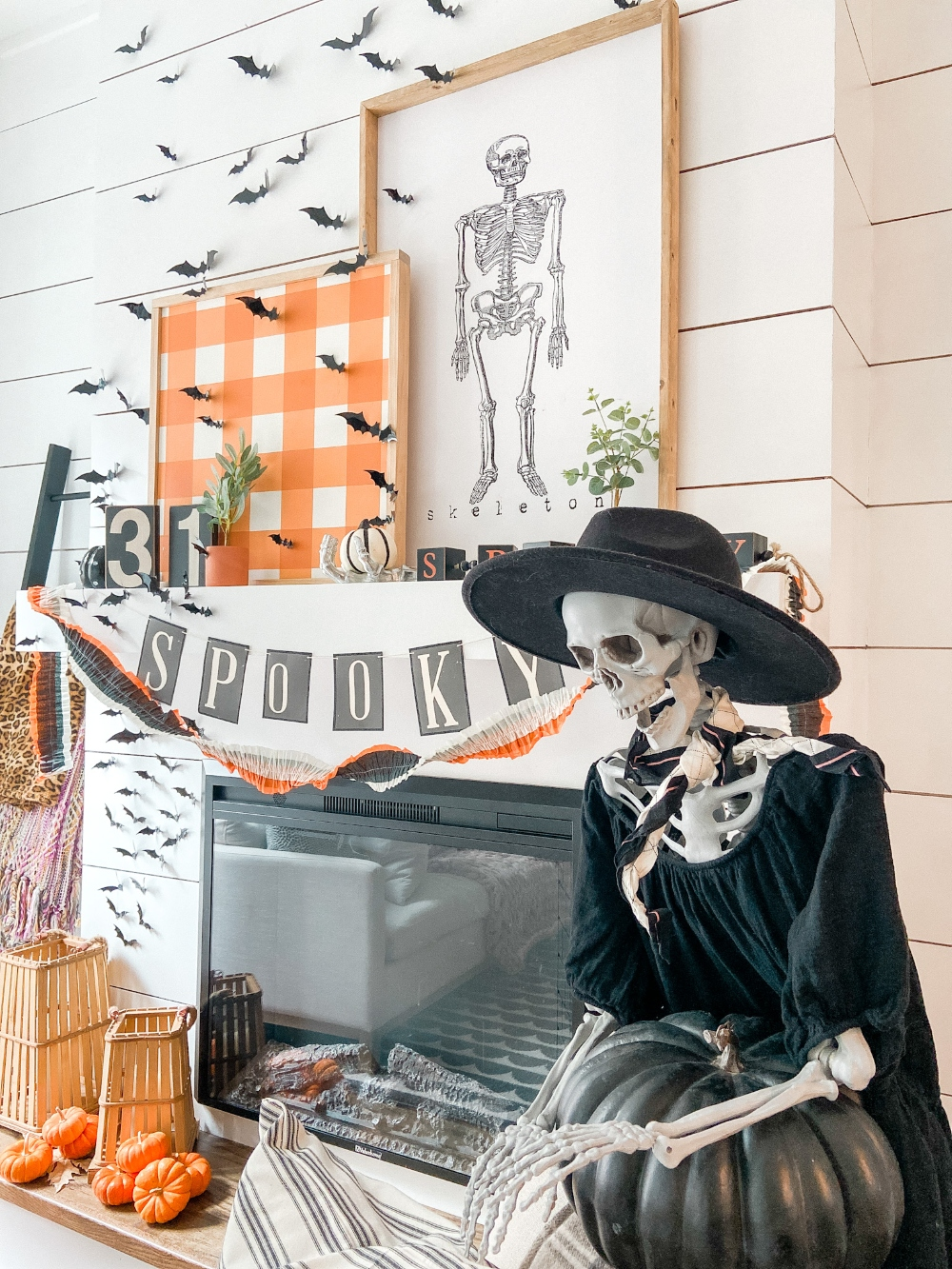 Spooky Halloween Decor and Mantel. Add some spooky charm to your home with these easy Halloween ideas!